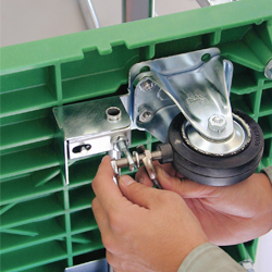 ストッパー付運搬台車(プラスチック製)調整して直せます。